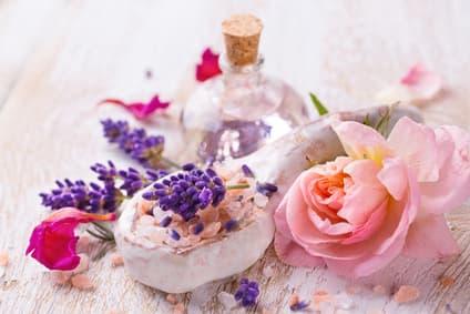 Blütenwasser & Hydrolate